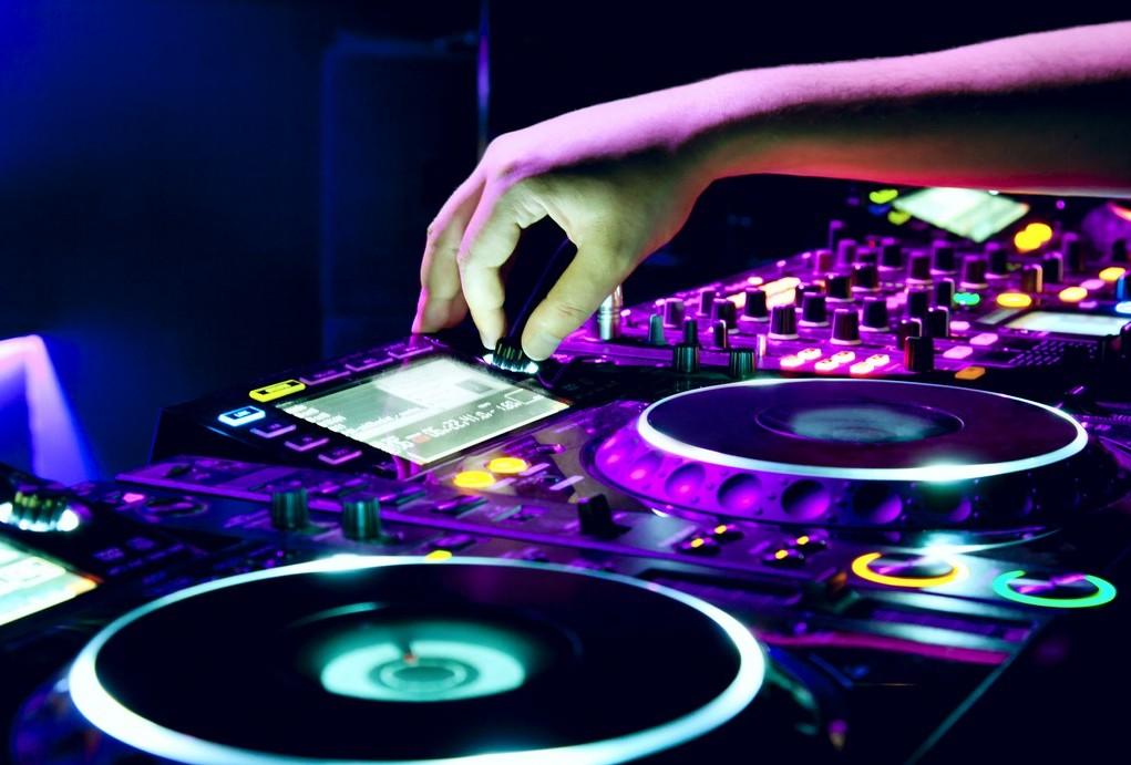 Prime 4: Details of Denon DJs New $1,699 4-Deck