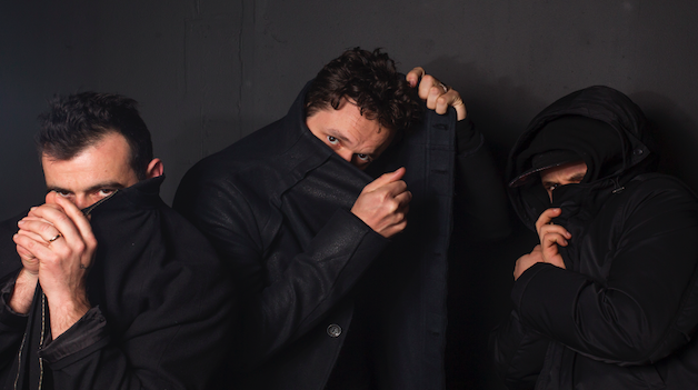 WE CHAT 50WEAPONS, MONKEYTOWN & ISLAND LIFE WITH MODERAT