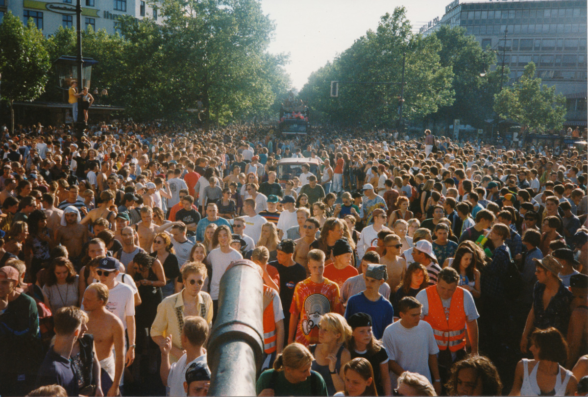 Berlin in the '90s: 20 photos that capture the wild spirit