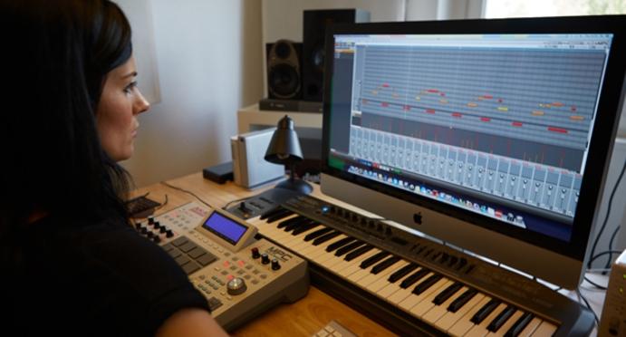 PRODUCER REVIEW: AKAI MPC RENAISSANCE | DJMag com
