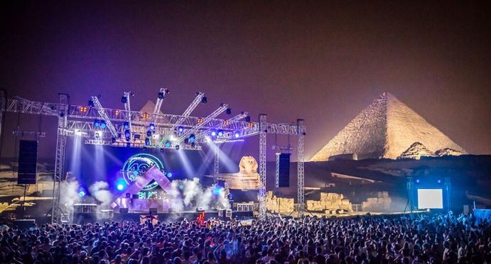 4 LEGENDARY DJ PERFORMANCES IN ICONIC UNUSUAL LOCATIONS