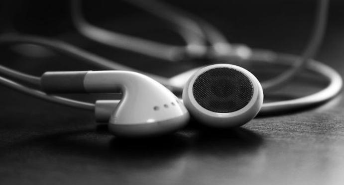 STUDY FINDS MP3 COMPRESSION MAKES YOUR MUSIC SAD | DJMag com