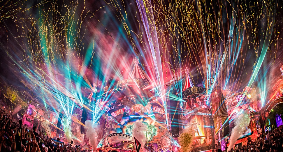 Tomorrowland live streams with Armin Van Buuren, Solomon, more