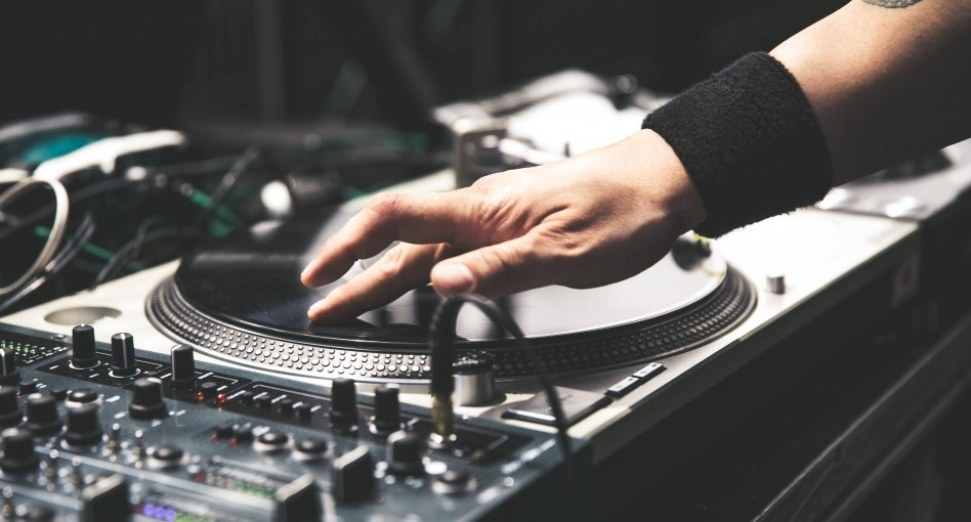 Massive 90s Trance Playlist Discovered