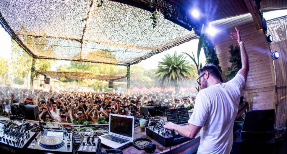 Carl Cox, Paul Kalkbrenner, Amelie Lens, more all lock outdoor raves at Brunch In The Park this summer