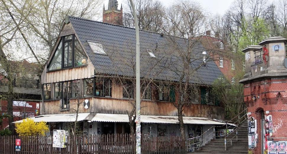 "Hamburg club Golden Pudel protected as a ""site of cultural worth"""