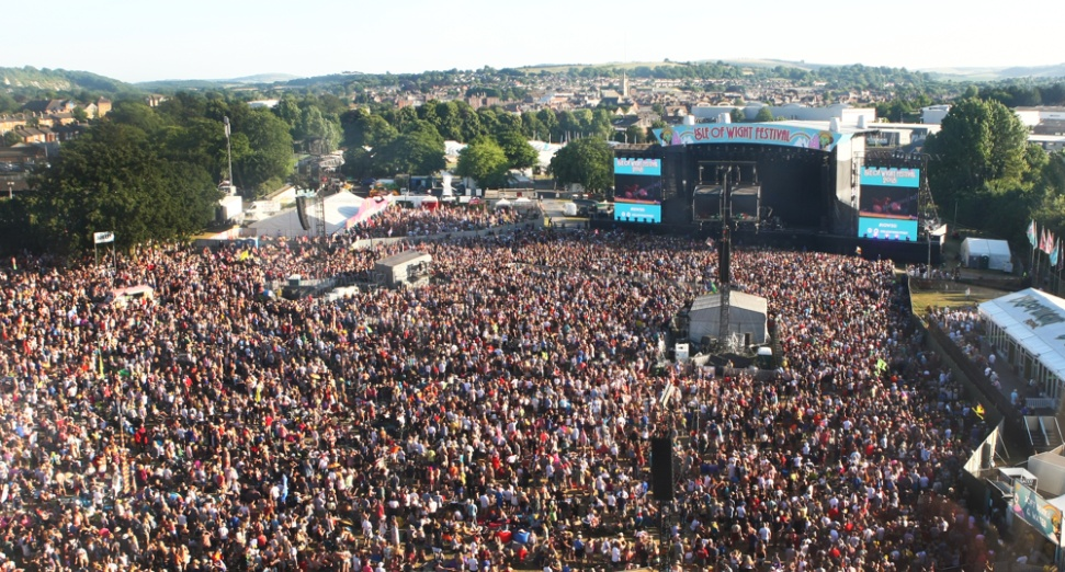 Festival boss launches plan for music industry to aid UK coronavirus vaccine rollout