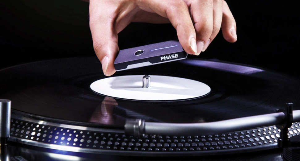 Phase wireless DJ device