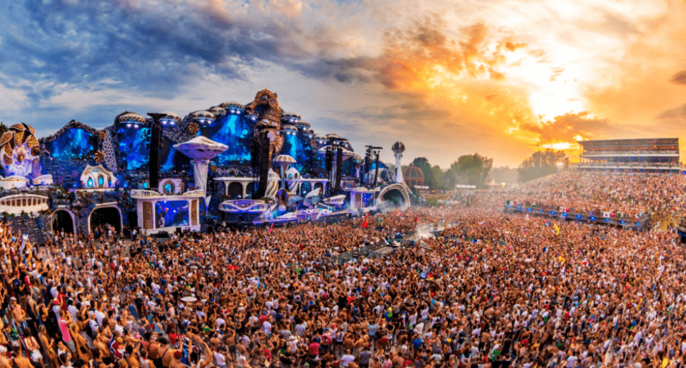 Tomorrowland stage designer bankrupt
