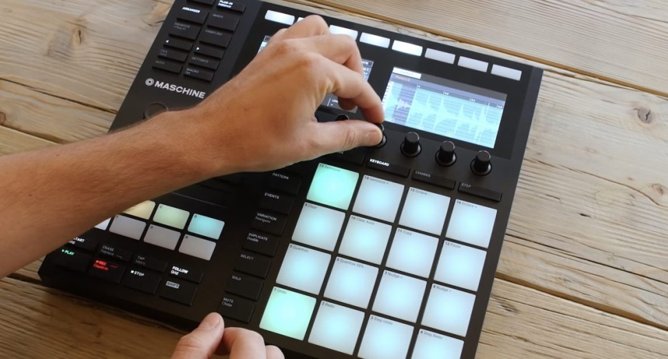 Native Instruments' Maschine gets updated to version 2.7.3