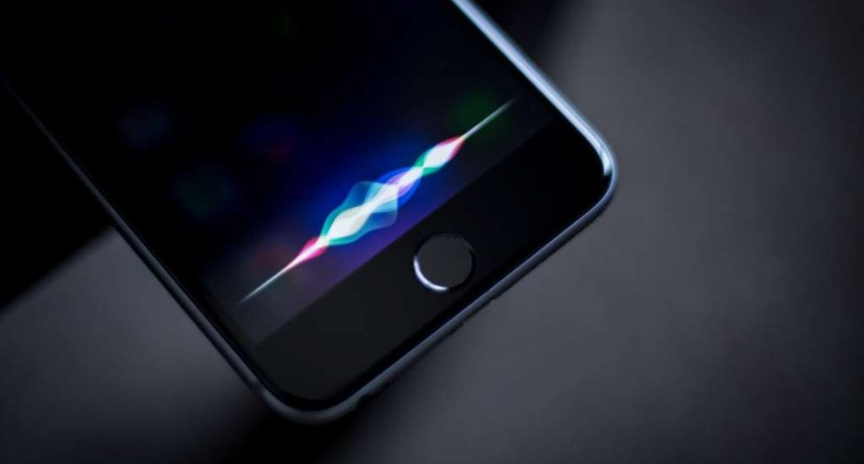 Apple in talks to open Siri access to Spotify