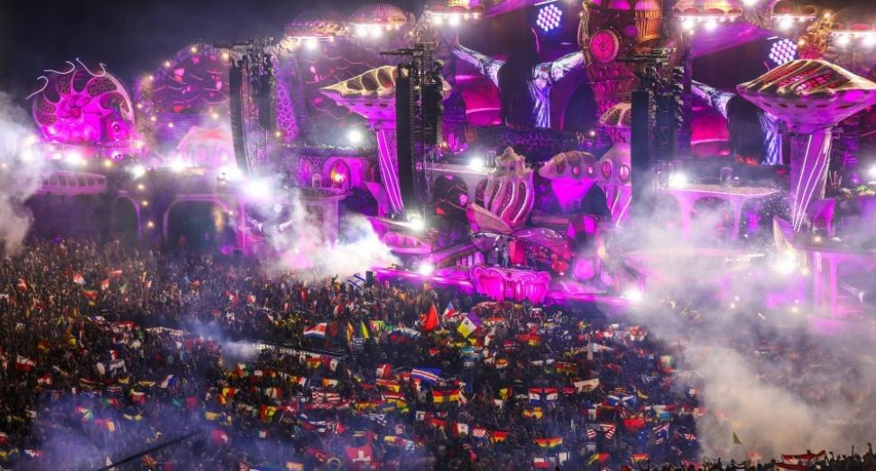 Tomorrowland radio station announced