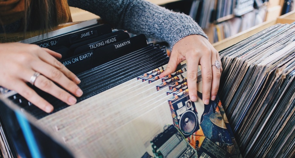 vinyl sales increased by 1.6%